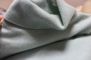 上野クリニックイメージの衣装タートルネック